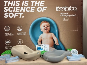 The New York Baby Show - Keekaroo Peanut Diaper Changer
